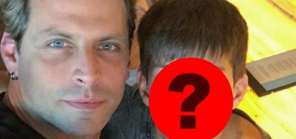 Henri Castelli mostra semelhança com seu filho (Foto: Reprodução)