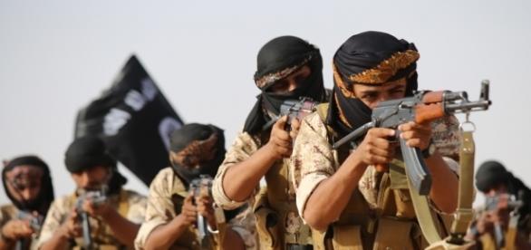 Miliziani dell'Isis: sull'orlo della sconfitta militare, molti combattenti non hanno più ricevuto denaro