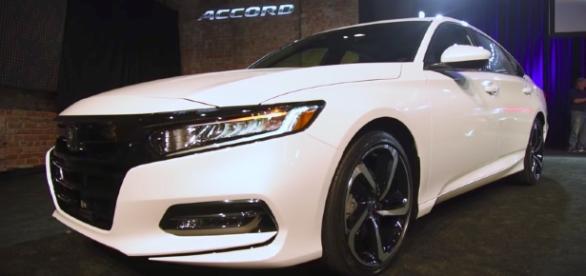 2018 Honda Accord First Look AutoGuide.com/Youtube