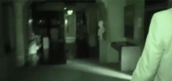 Ingleses dizem gravar o espírito de um antigo sacerdote egípcio (Youtube)