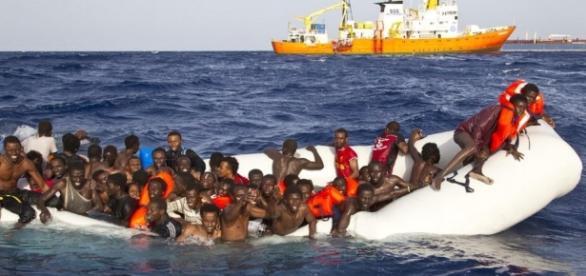 La nave Defende Europe cercherà di bloccare il flusso dei migranti.