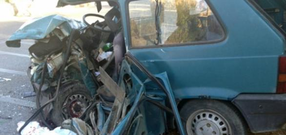 Calabria, grave incidente stradale mortale