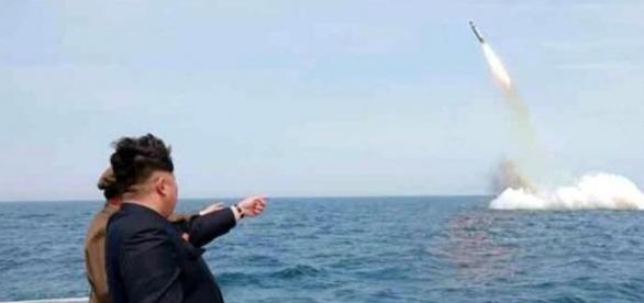 Uno dei test missilistici eseguiti dalla Corea del Nord nel Mare del Giappone