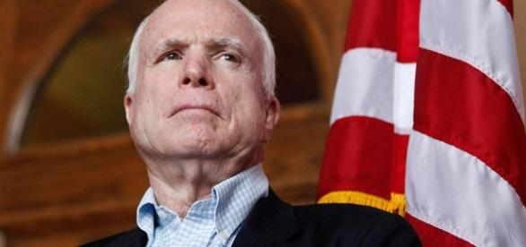 John McCain diagnosed with brain cancer - twitter.com