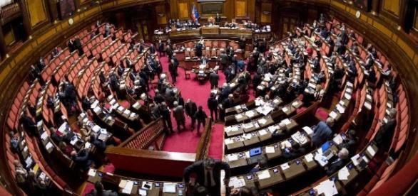 Parola alla Camera dopo l'approvazione del decreto sui vaccini, scadrà il 6 agosto