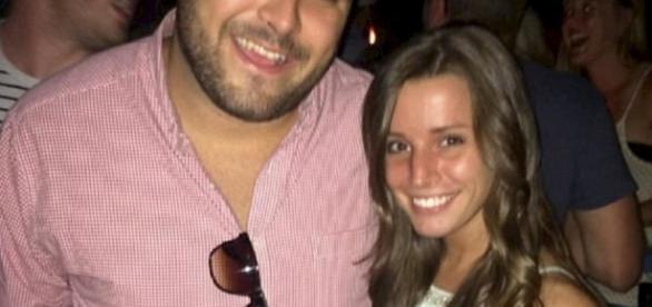 Sposi mancati: Sarah Cummins e Logan Araujo. Lei ha invitato al banchetto 150 clochard della sua città.