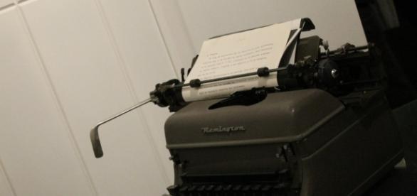 Tiempo en oficina; la máquina de escribir.
