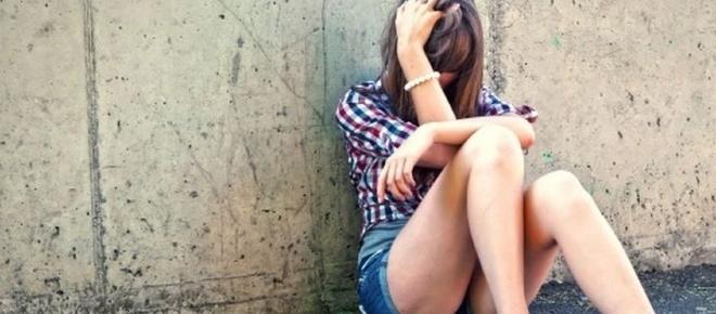 Stuprata a Marechiaro, poi insultata sui social dopo la denuncia del branco