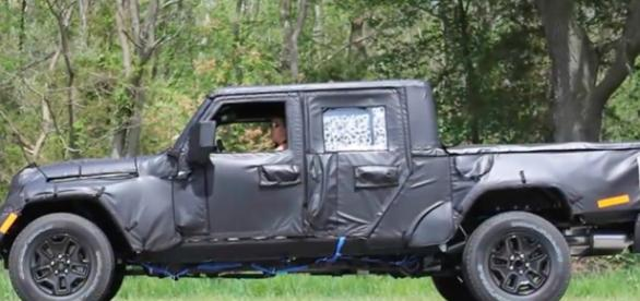 2019 Jeep Wrangler Pickup Truck Spotted in Michigan Automobile New/Youtube