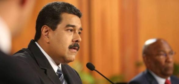 """Y ahora? / El Parlamento venezolano declara el """"abandono del cargo ... - com.ar"""