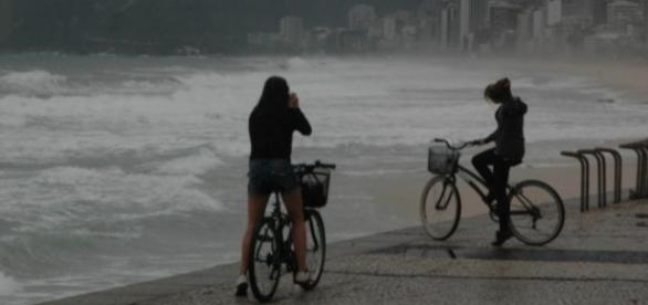 Frio chega também ao Rio de Janeiro e deixa o tempo fechado