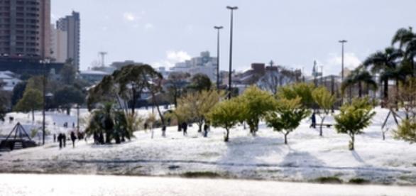 Frio intenso castiga o Paraná, mas os turistas estão adorando (Foto: Reprodução)