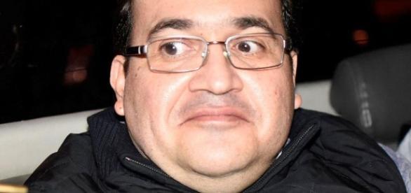 La sonrisa de Javier Duarte al ser detenido - lopezdoriga.com