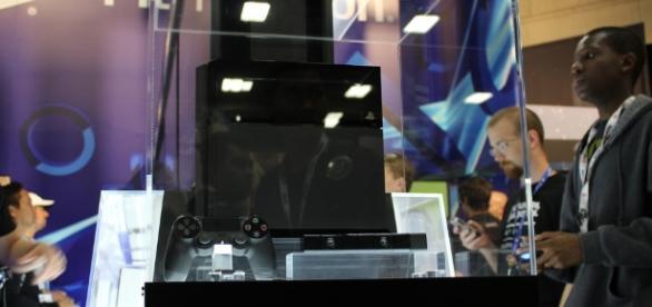 PlayStation 4 console | Flicker | Peter Breuls