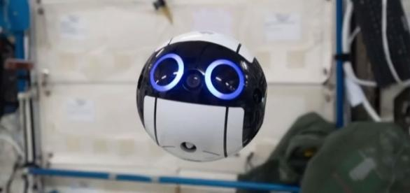 This adorable camera drone is Japan's first camera to help astronauts in ISS (via YouTube - JAXA)