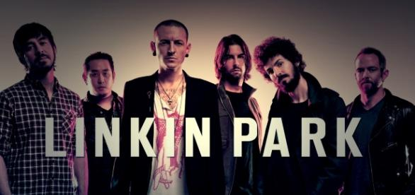 Chester Bennington Linkin Park | https://upload.wikimedia.org/wikipedia/commons/0/05/Linkin_Park_Logo_y_Mienbros.jpg