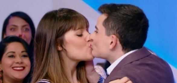 Dudu Camargo beijou a moça no SBT