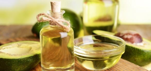 Gli oli vegetali naturali che proteggono pelle e capelli dai danni del sole - foto: macrolibrarsi