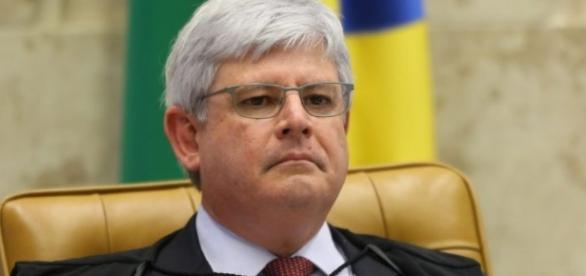 Procurador-Geral vê a lei de terceirização como violação aos direitos constitucionais