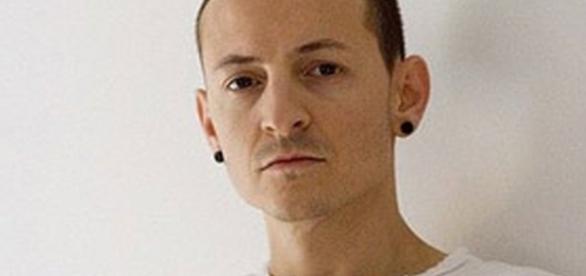 Vocalista do Linkin Park, Chester Bennington, comete suicídio (Foto: Reprodução)