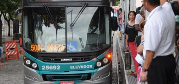Tumulto e dificuldades marcam o dia a dia da população com o Sistema MOVE de transporte. ( Foto: Reprodução)