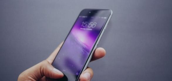 iPhone 8 will start at $1100 per JP Morgan analyst/Photo via Hamza Butt, Flickr