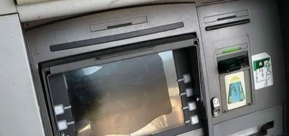Assalto con esplosivo ad un bancomat a Talsano