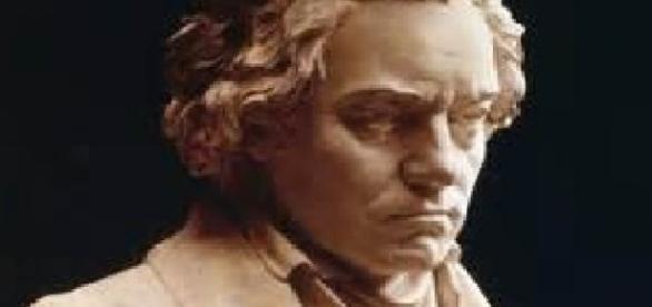 Busto do grande mestre Beethoven