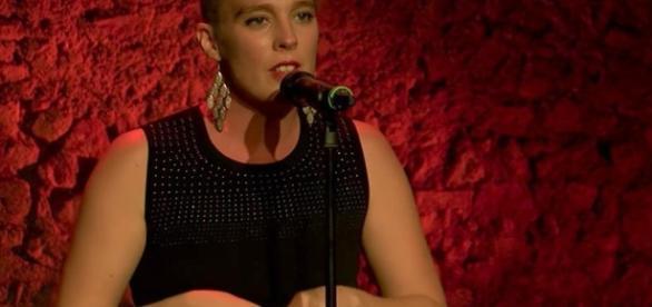 cantante muere sobre el escenario durante un concierto - lavanguardia.com