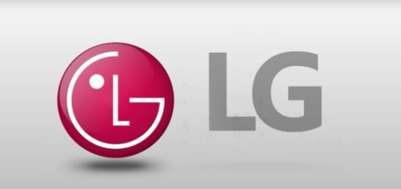 LG to manufacture iPhone 9 batteries Plus v20 Mini update (YouTube Screenshot)