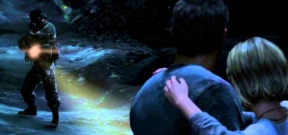 Sarah's death in 'The Last of Us' is one of the most emotional scenes in video games (image source:YouTube/FusionZGamer)