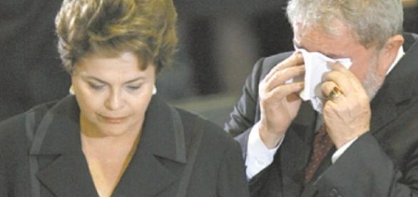 Lula e Dilma comparecem ao velório do amigo Marco Aurélio Garcia