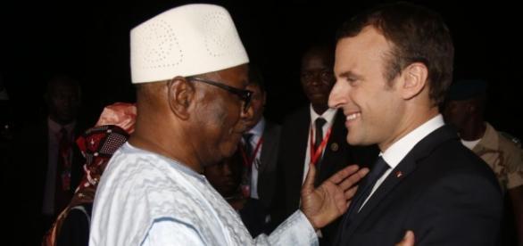 Le nouveau Président Français reste sur les pas de ses prédecesseurs