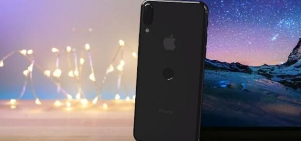 New leaked images of iPhone 8 - YouTube/EverythingApplePro