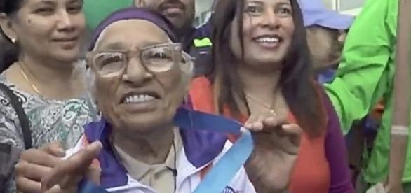 101-year-old woman wins gold medal at World Masters Game- YouTube/Dinamalar Channel
