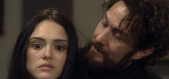 Anna volta a ser presa em casa por Thomas e leva surra de cinto