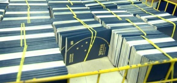 Casa da Moeda voltou a confeccionar passaportes em ordem cronológica - DANIEL NO BLOG - com.br