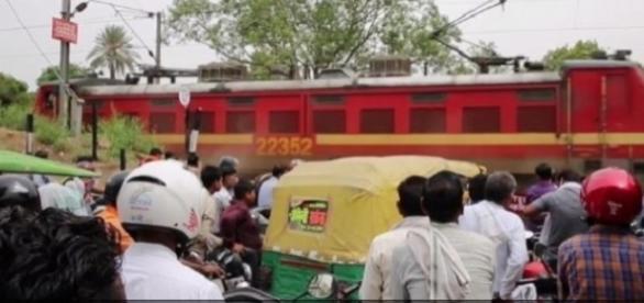 Incidente aconteceu em zona pobre da Índia. (Foto: Reprodução)