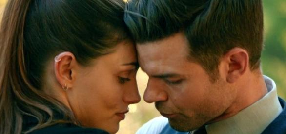 The Originals: Hayley (Phoebe Tonkin) e Elijah (Daniel Gillies) (Foto: CW/Screencap)