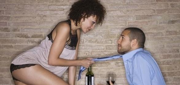 Toda mulher precisa ser segura e autêntica para atrair os olhares dos homens (Foto: Reprodução)