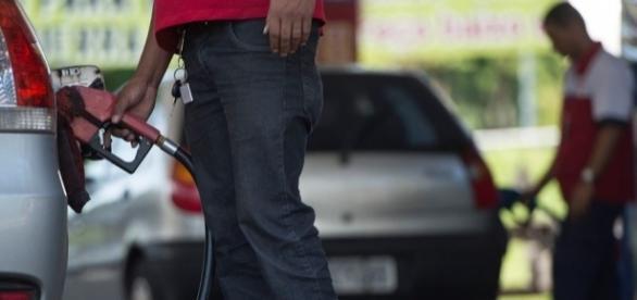Aumento do combustível deve acontecer em breve