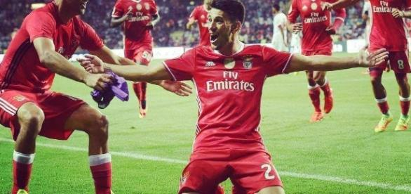 SL Benfica defronta Arsenal em Inglaterra