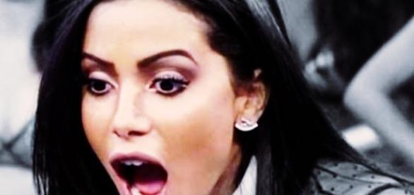 Anitta se vinga de paparazzo - Google