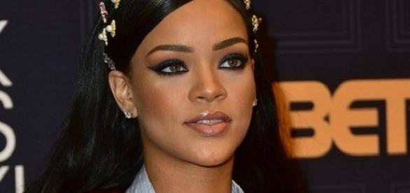 Cantora e atriz Rihanna é uma das artistas com mais fãs