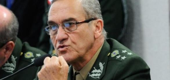 Comandante do Exército, general Eduardo Villas Bôas, se manifestou sobre situação de crise no país