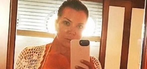 Kris Jenner tirando uma selfie (Foto: Instagram)