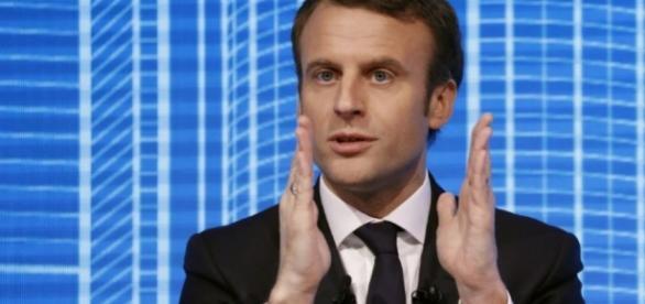 Macron allège le code du travail pour mieux flexibiliser le marché du travail.