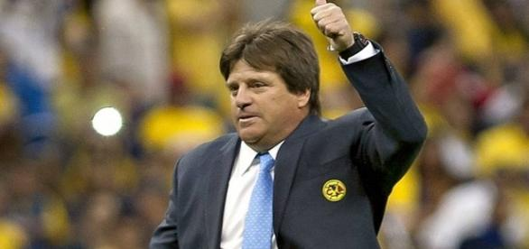 """Miguel """"Piojo"""" Herrera entrenador del Club América"""