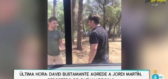 ¡Inaudito! David Bustamante agrede a un fotógrafo en Girona