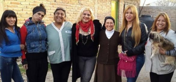 A irmã Mónica Astorga tem aprovação do Papa Francisco para ajudar trans argentinas